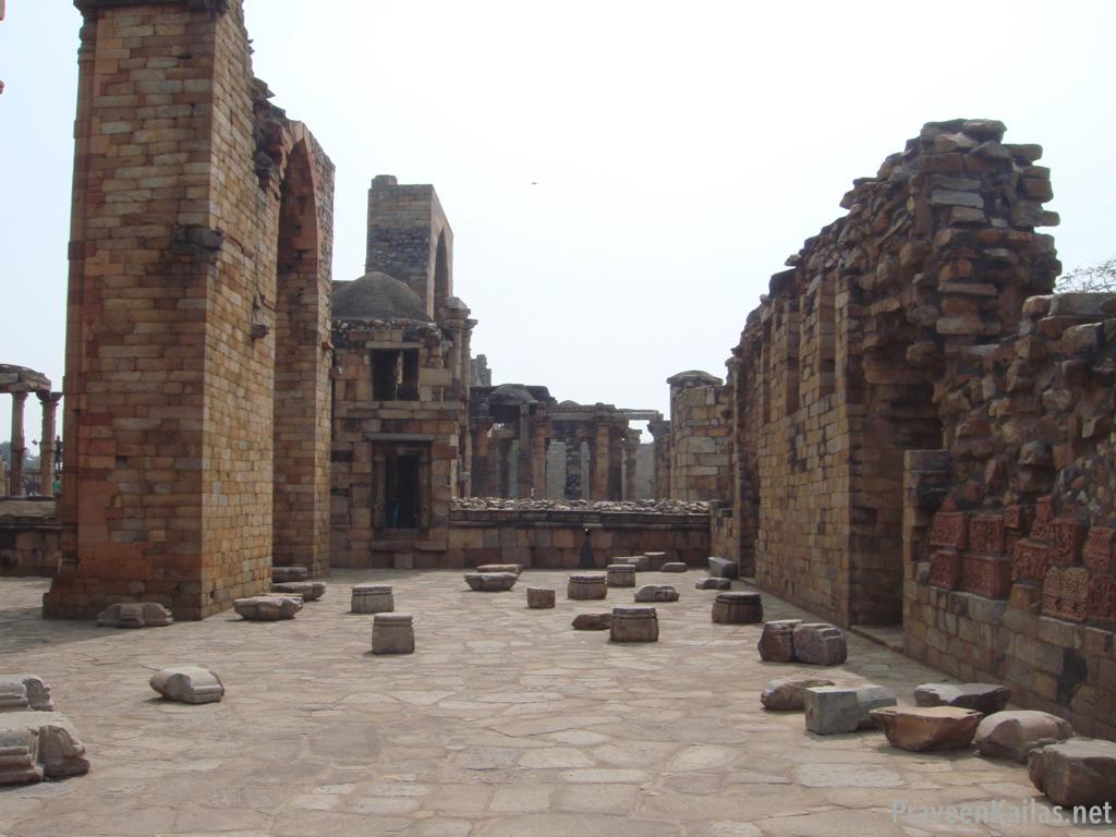 Praveen Kailas Char Minar Ruins