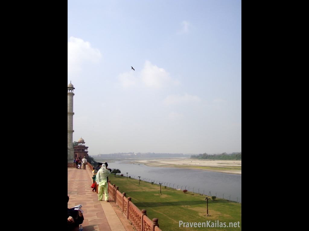 Praveen Kailas Char Minar Water View