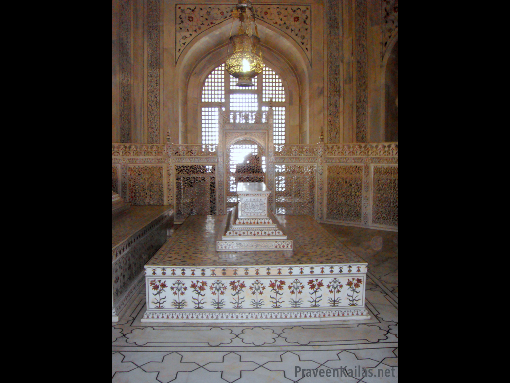 Praveen Kailas Interior of Taj Mahal